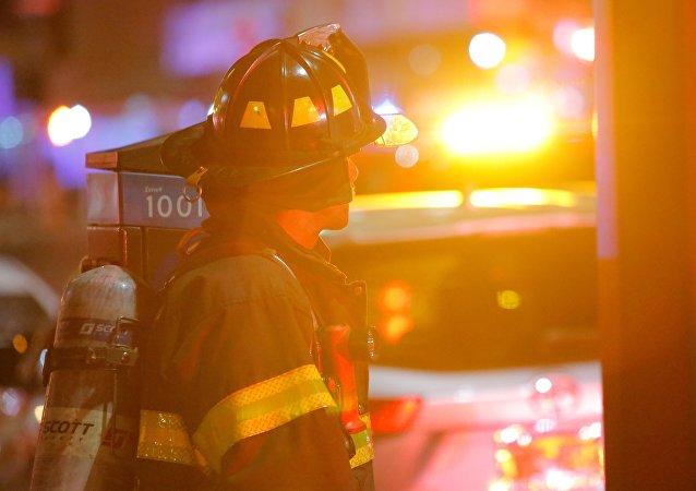 Un violent incendie ravage un immeuble à Manhattan