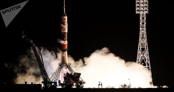 Le lancement du vecteur Soyouz-FG avec à son bord le vaisseau piloté Soyouz MS-06