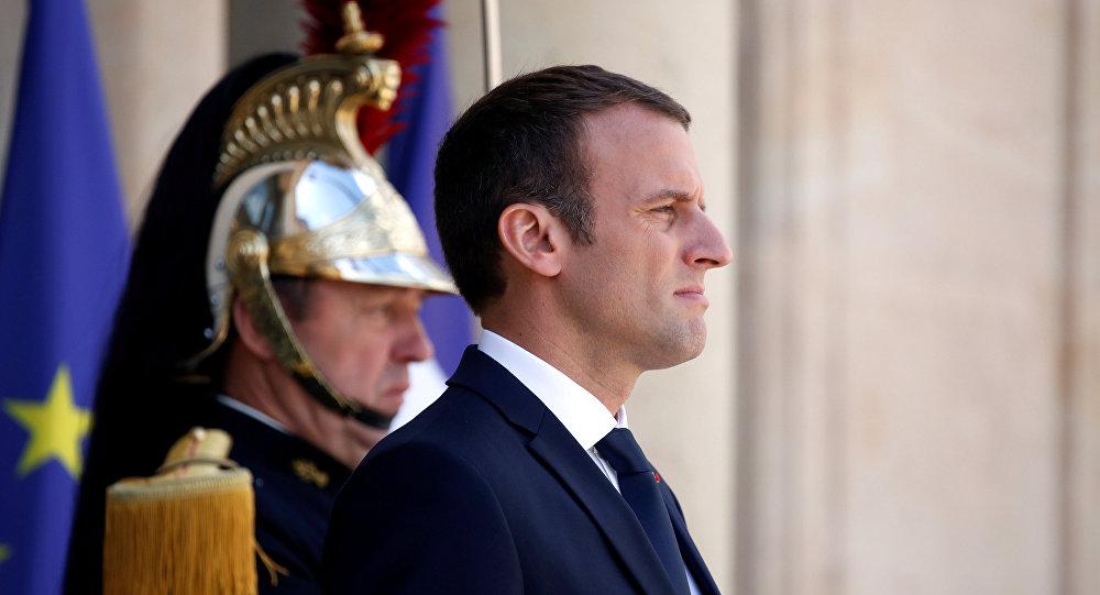 «Macron, Seigneur des anneaux»: les internautes se lâchent sur les JO 2024