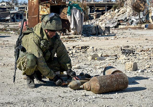 Un démineur russe à Alep