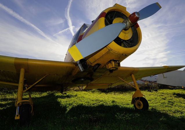 Un Zlín Z-37 Čmelák
