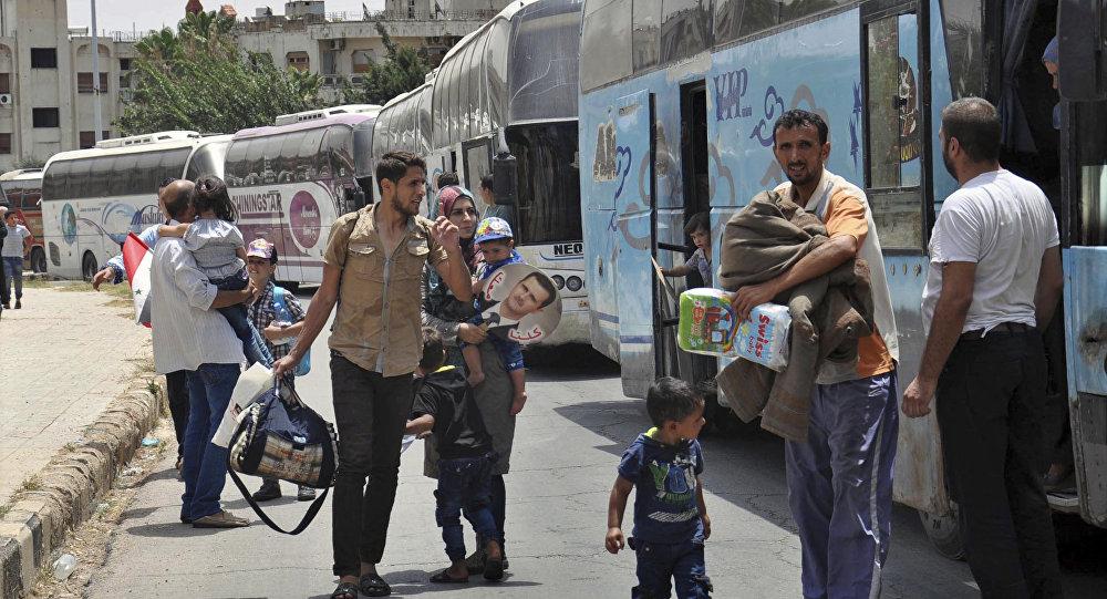 Les habitants de Homs rentrent dans leurs foyers