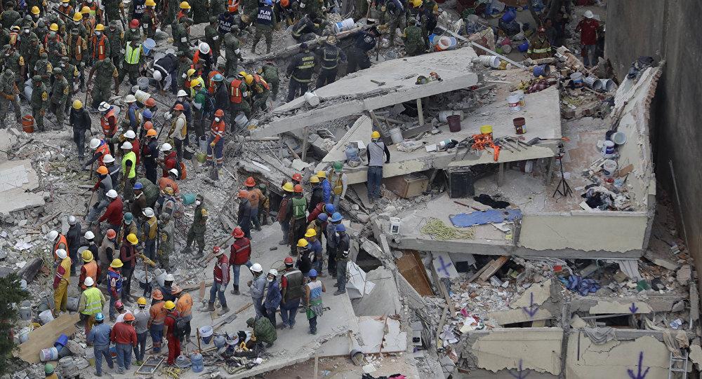 Séisme au Mexique: 230 victimes, le risque de réplique élevé