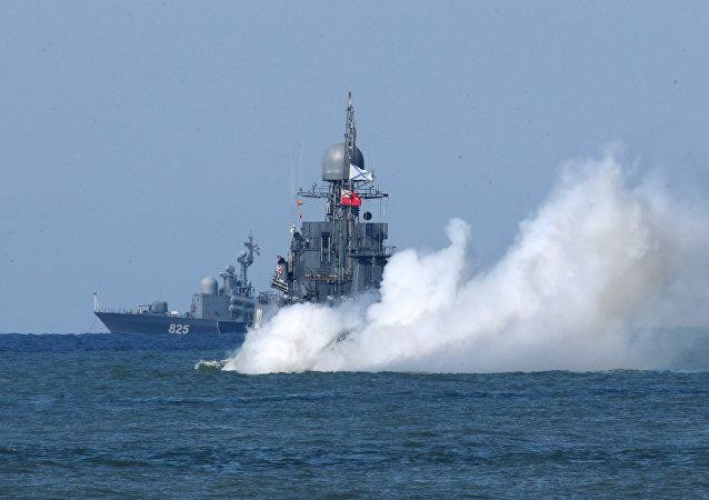 Выход кораблей Балтийского флота в море в рамках учений Запад-2017