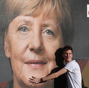 Et l'alternance politique, Frau Merkel?