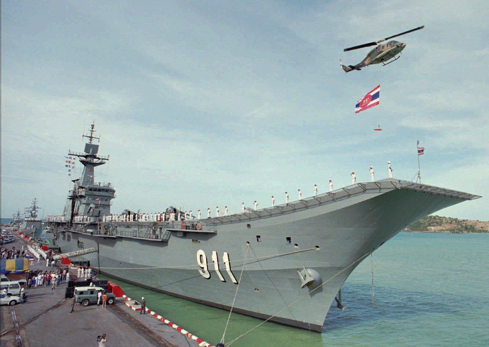 Pour faire la guerre ou pour frimer cinq porte a ronefs for Porte helicoptere