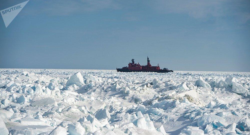 Les glaces du Groenland fondent plus vite que prévu