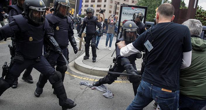 Policiers en Catalogne