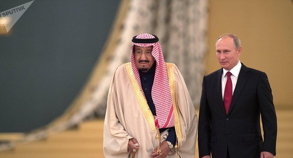 Times: la visite du roi saoudien à Moscou témoigne de l'influence russe au Proche-Orient