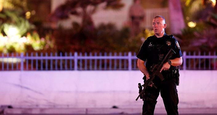Policía estadounidense en el lugar del tiroteo en Las Vegas, EEUU