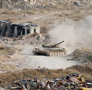 Un char syrien au nord-est de Damas (archives)