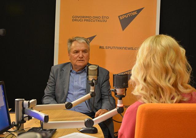 Le vétéran de la diplomatie serbe Srecko Djukic