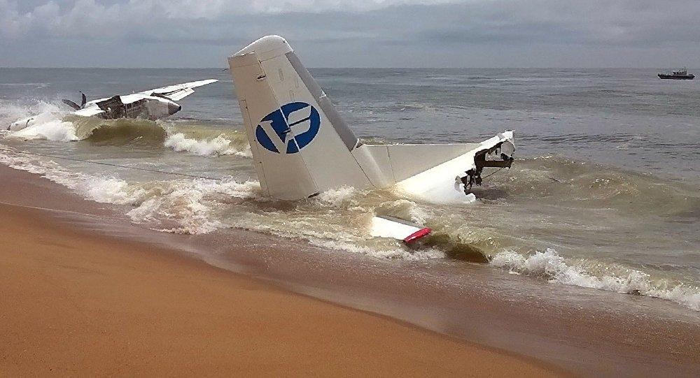 Crash d'un avion-cargo en mer peu après son décollage d'Abidjan, en Côte d'Ivoire
