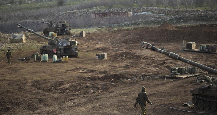Soldats israéliens sur le plateau du Golan