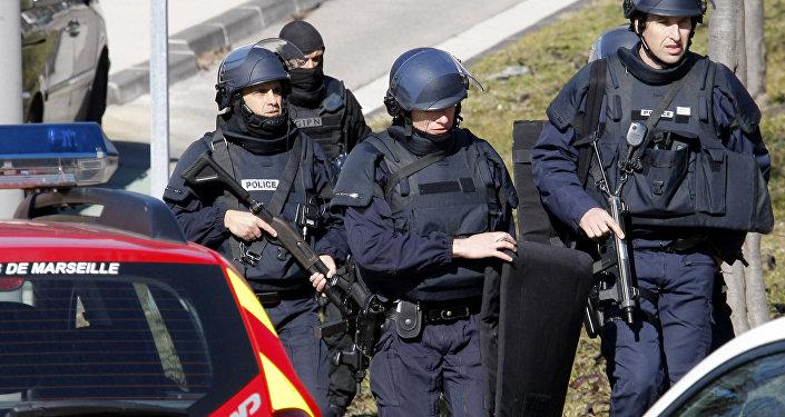 des policiers français