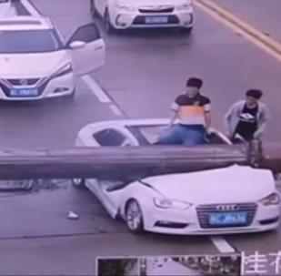 Prenez garde! Risque de chute de grue sur la route
