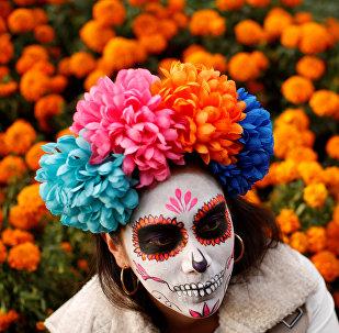 Le défilé Catrina la veille du Jour des morts à Mexico