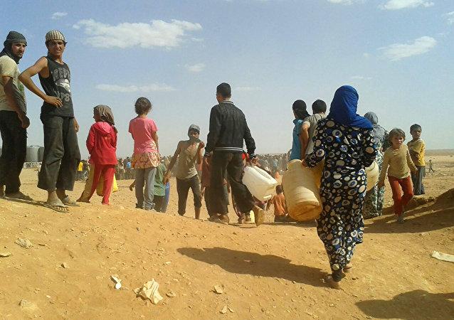 Des réfugiés syriens dans le camp d'Al-Rukban, archives
