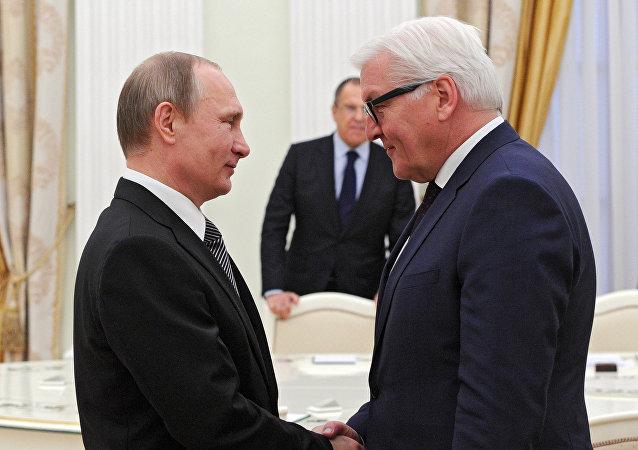Vladimir Poutine et Frank-Walter Steinmeier