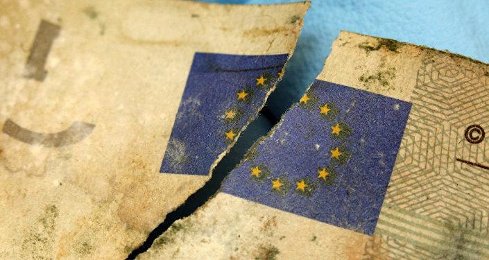 «L'euro est atteint d'un cancer en stade terminal»