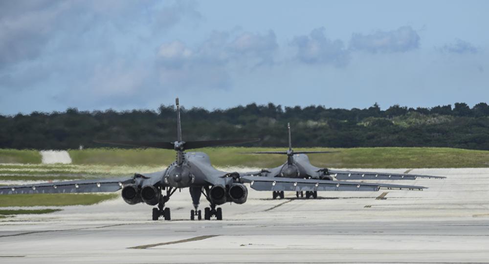 Des bombardiers B-1B sur la base Andersen, Guam