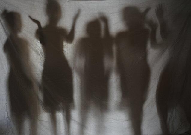 Les ombres de jeunes filles