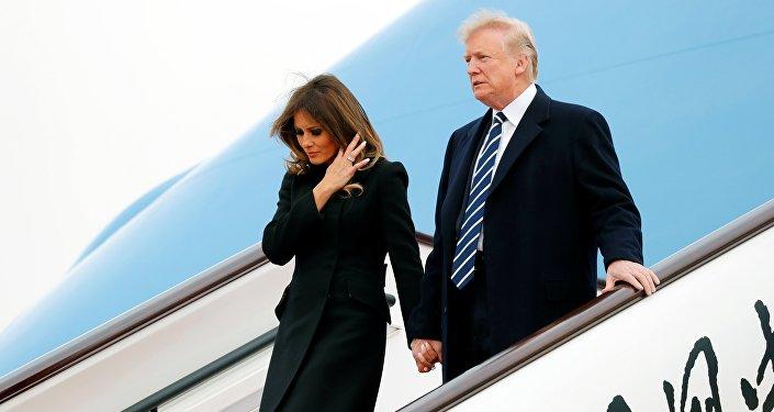 Donald et Melandia Trump arrivent à Pékin