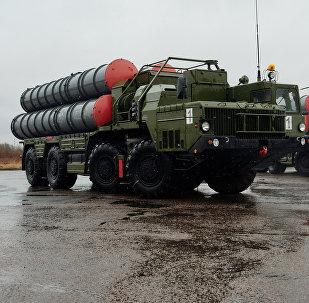 Les systèmes de missiles sol-air S-400 Triumph