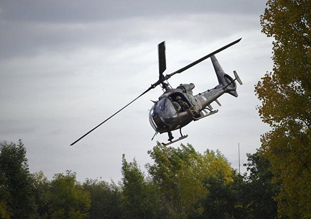 hélicoptère militaire de type Gazelle