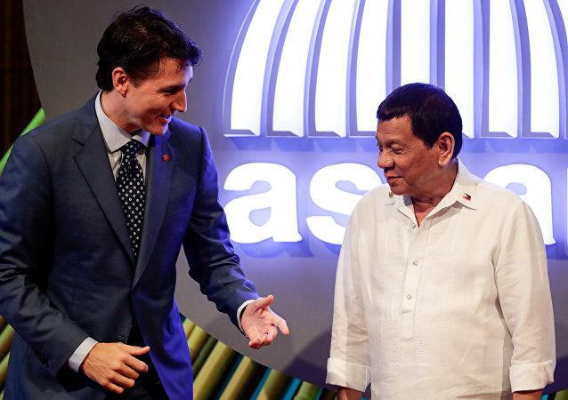 Le Premier ministre canadien Justin Trudeau et le Président philippin Rodrigo Duterte