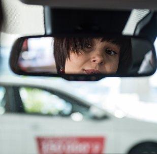 Une femme au volant
