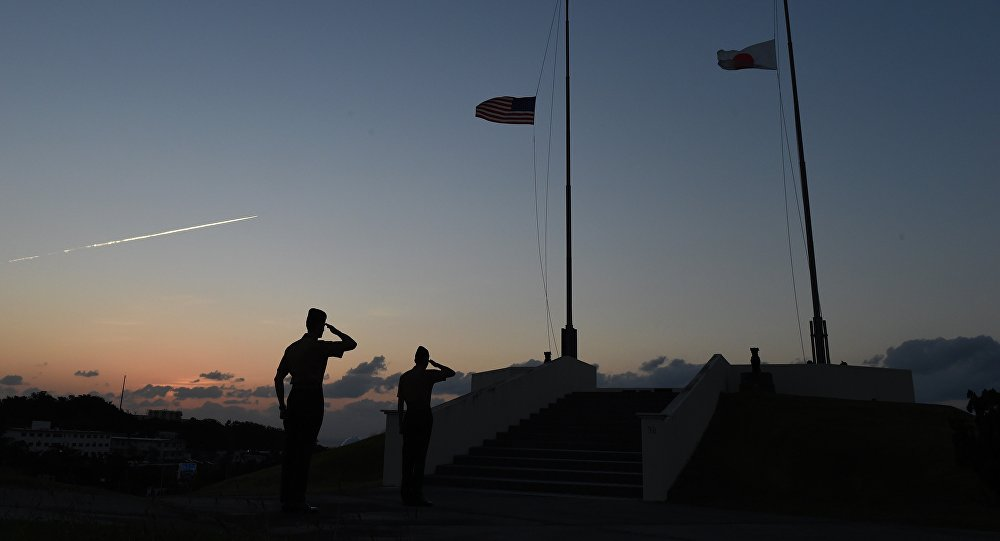 Deux navires de la Marine US se heurtent au large de la Floride