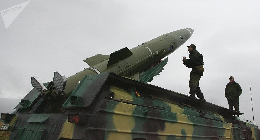 Un missile sol-sol tactique Totchka-U
