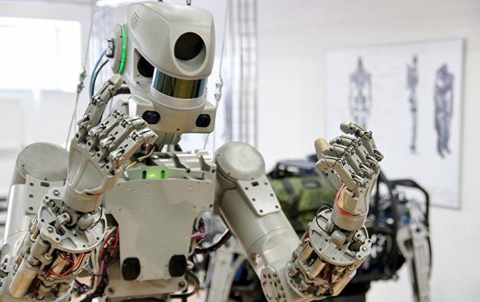 S'adapter aux situations et trouver des solutions: le robot russe Fedor sera autodidacte
