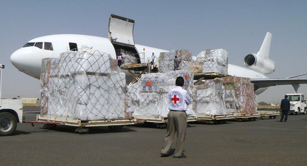 Un avion du CICR à l'aéroport de Sanaa