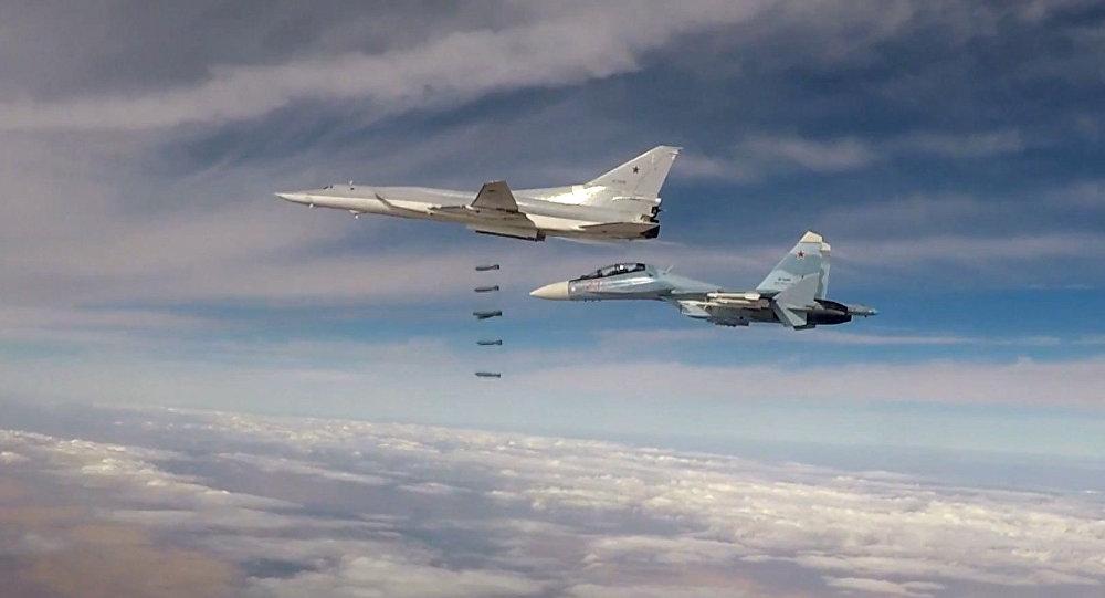 Des bombardiers lance-missiles Tu-22M3 lors d'un raid en Syrie