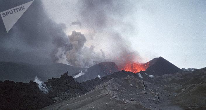 Le volcan Klioutchevskoï, au Kamtchatka