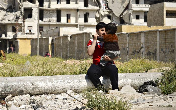 En 48 heures plus d 39 une centaine de syriens retournent for Dans 48 heures