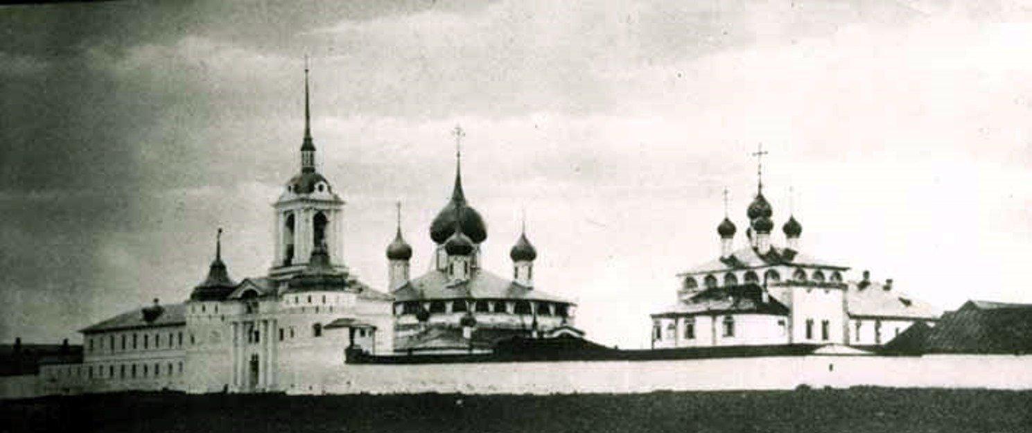 Le monastère de l'Intercession de la Mère de Dieu à Ouglitch