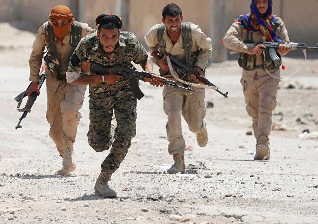 Les forces kurdes YPG