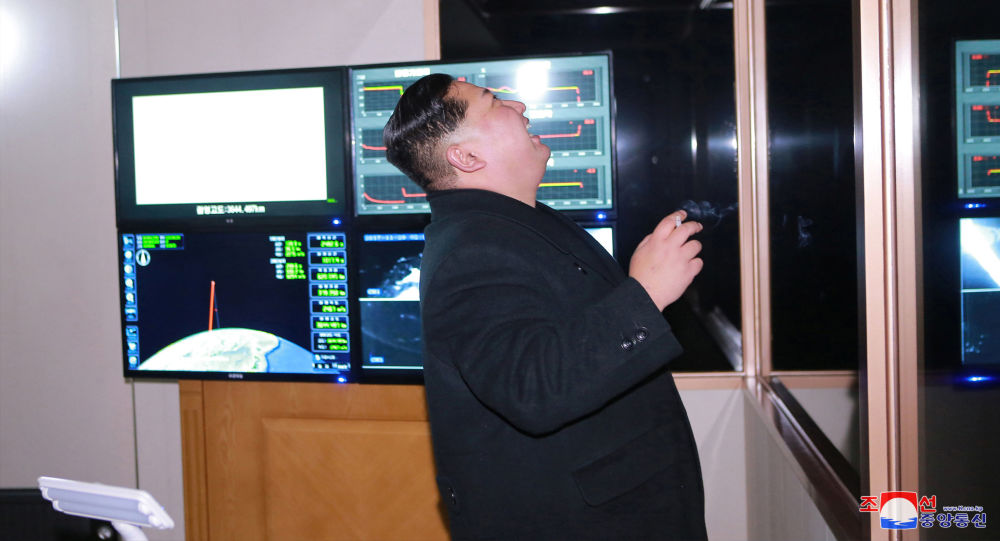 Kim Jong Un supervise le tir du Hwasong-15