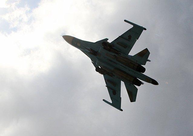 Un Su-34 dans le ciel syrien