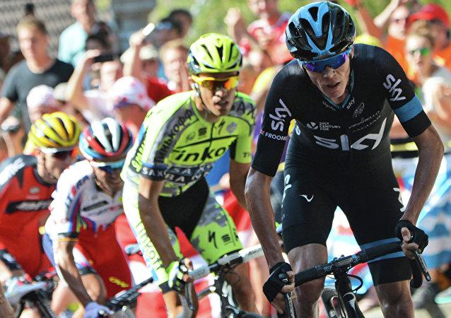 Christopher Froome (à droite) lors de la 3e étape du Tour de France 2015