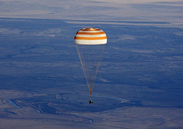 Atterrissage d'une capsule Soyouz