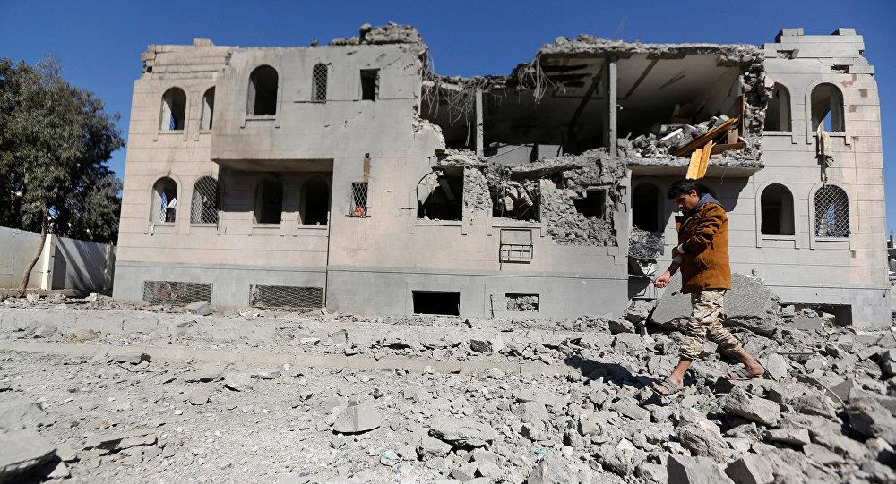 Une maison détruite à Sanaa, image d'illustration