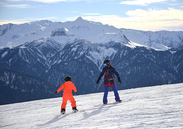 Открытие сезона на горнолыжном курорте Роза Хутор в Сочи