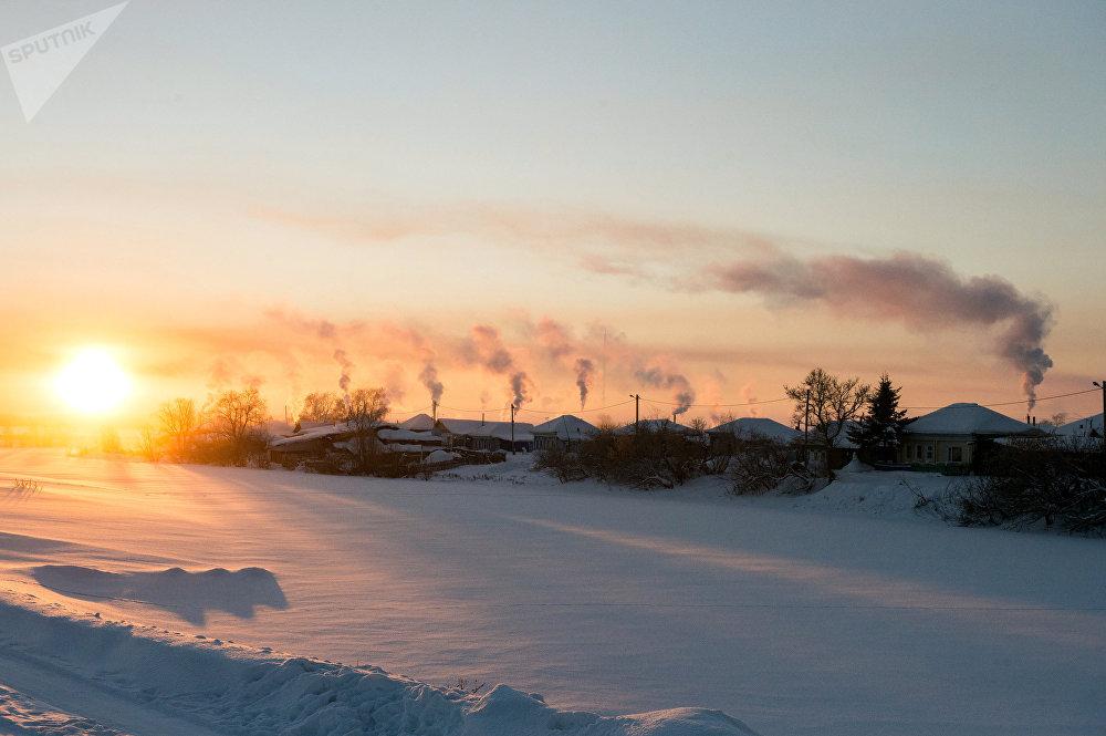 Un lever de soleil à Tara, ville dans la région d'Omsk