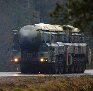 Un système de missiles RS-12M Topol