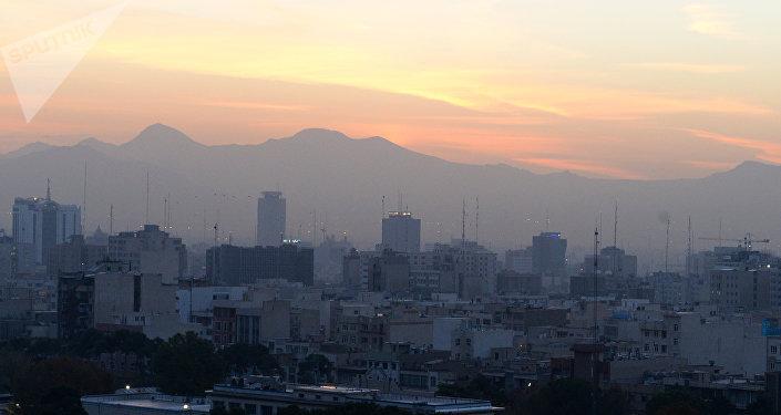 Montagnes vues depuis Téhéran