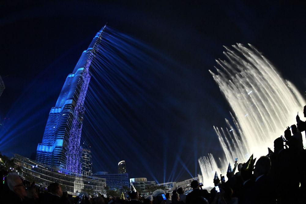 Show laser sur la tour Burj Khalifa dans les Émirats